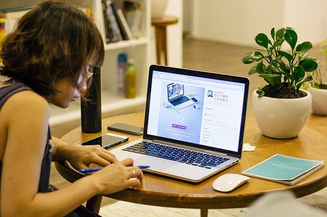 take care of your eyes while work at home